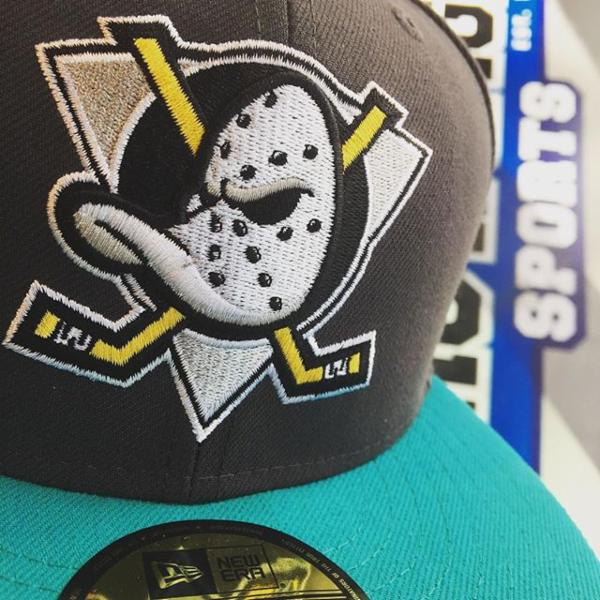 Because why wouldn't you have a mighty ducks fitted custom in your collection!? #proimagesports #grandbazaarlv #ballys #ballysvegas #newera #neweracap #fitted #59fifty #custom #mightyducks #childhood #childhoodmemories #lasvegas #vegas #vegasbaby #vegasstrip #thestrip #702 #hats #hatstore #sohot #comegetit #checkitout